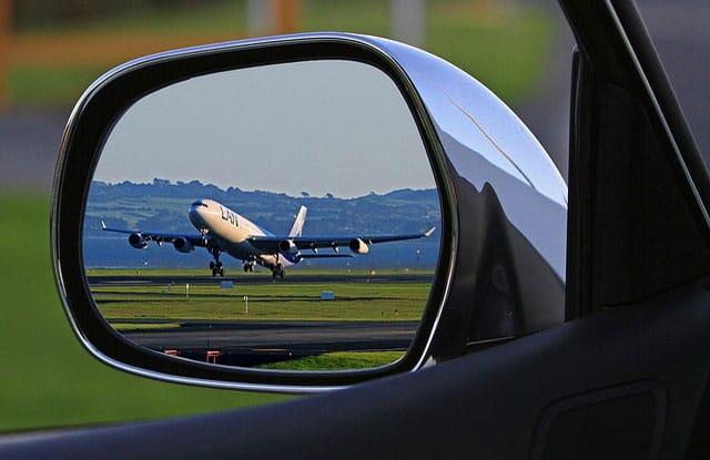 vista aereo da auto nel parcheggio low cost di Lamezia Terme