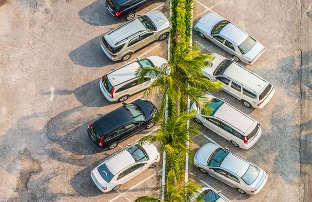 vista panoramicadall'alto di parcheggialla calabria
